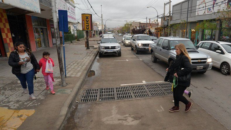 La calle Láinez pasó otra prueba frente a las lluvias