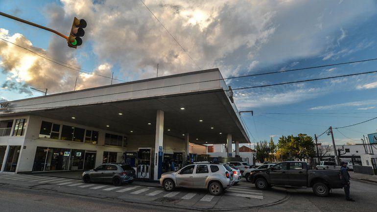 Robaron un millón de pesos a cadena de estaciones YPF