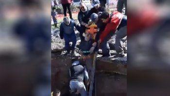 Está fuera de peligro el operario del EPAS que cayó a un pozo
