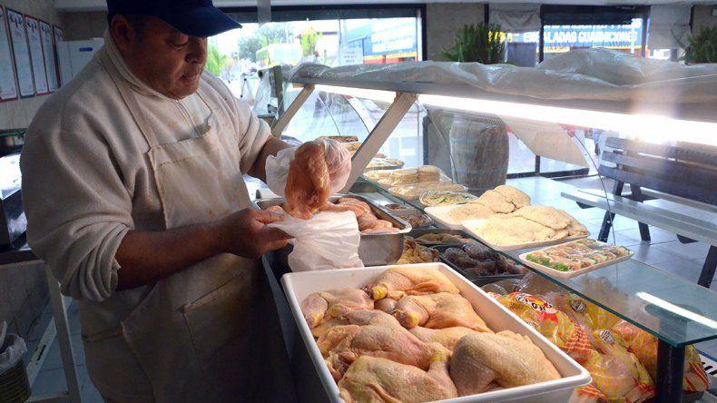 Vuelan de las góndolas los pollos por el efecto precio