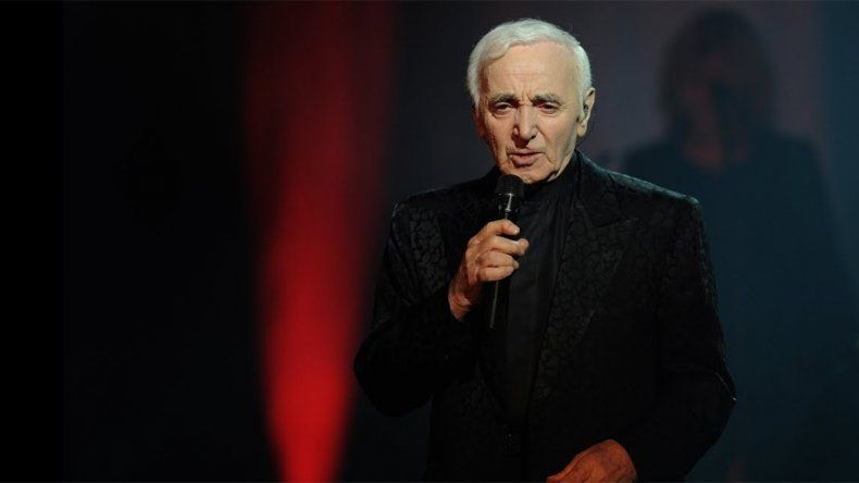 A los 94 años murió el cantante francés Charles Aznavour