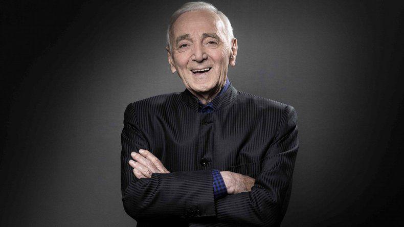 Murió Charles Aznavour, el último gigante de la canción francesa