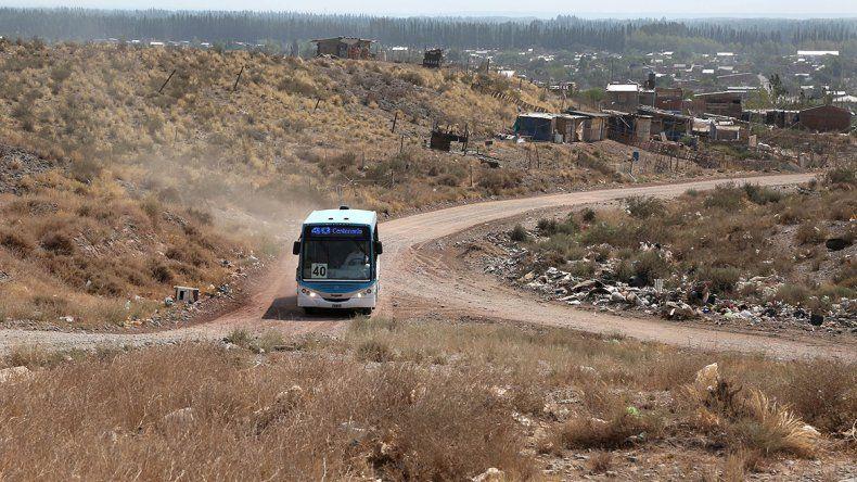 Sigue planchada la nueva suba del cole en Centenario