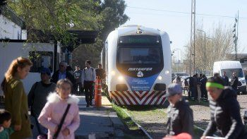 Ya cuesta 7 pesos viajar en el Tren del Valle hasta Cipolletti