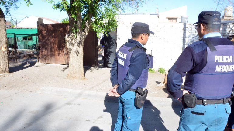 Detuvieron a dos hombres y secuestraron un auto por el robo a la YPF de Plottier