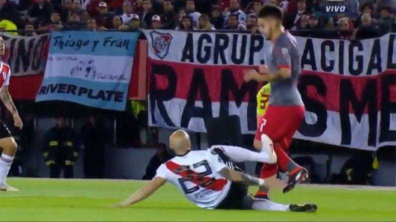 Polémica jugada: ¿Fue penal para Independiente y roja para Pinola?