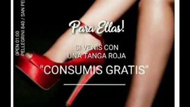 Escandalosa promo de boliche: Si venís con tanga roja, consumís gratis