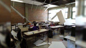 Susto en Zapala: estaban en clases y se cayó el cielorraso
