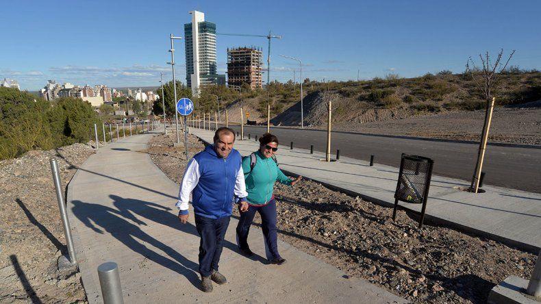 Antes de inaugurarse, la calle Albardón ya convoca