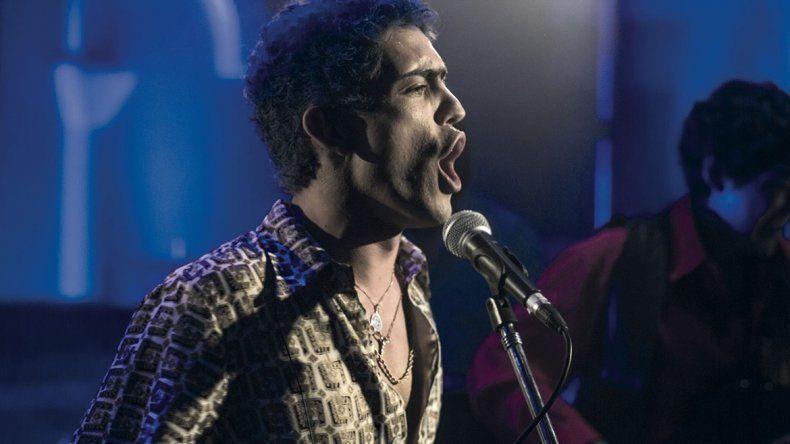 Rodrigo Romero se destaca por su parecido con el Potro y su aceptable interpretación.