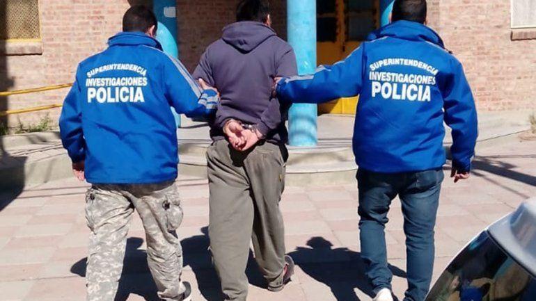 La Policía allanó en Centenario, Cinco Saltos y Barda del Medio en simultáneo.