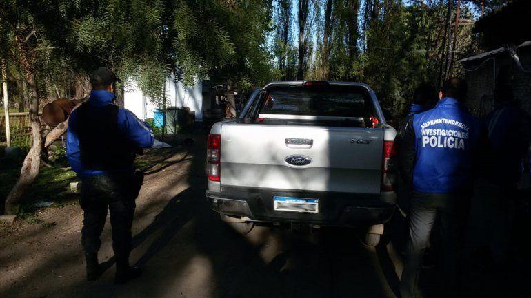 La Policía allanó en Centenario