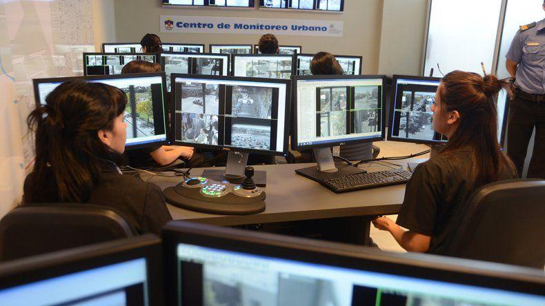 El centro de operaciones de la policía muestra las imágenes que captan todas las cámaras públicas instaladas.