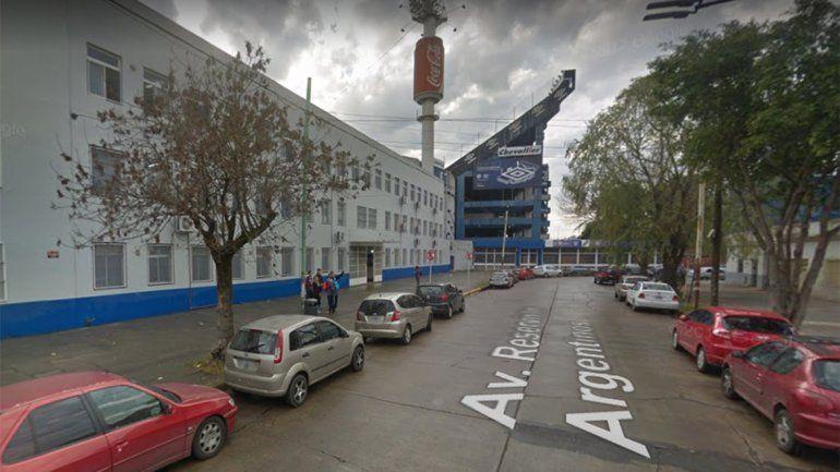 Por abuso, denunciaron a un docente del colegio del Club Vélez Sarsfield