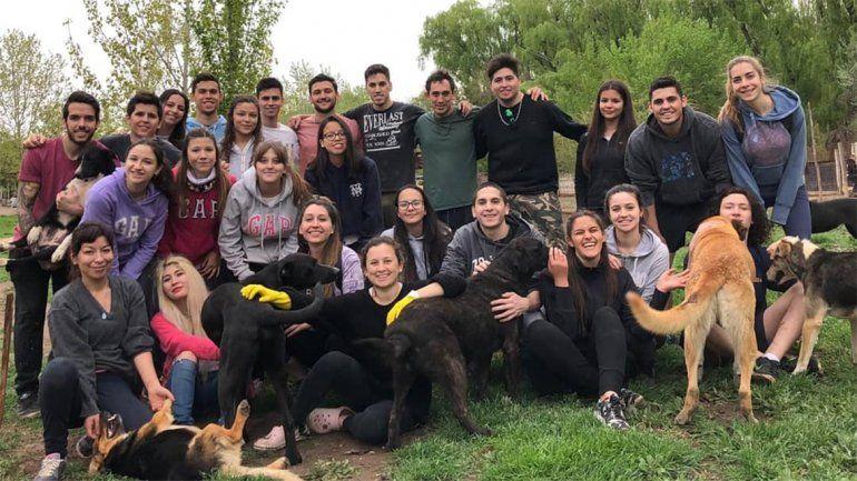 Un nuevo grupo de jóvenes se suma al refugio de la Isla Jordán
