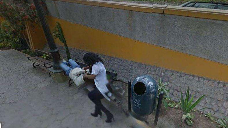Miraba el Google Maps y enganchó a su esposa con otro hombre