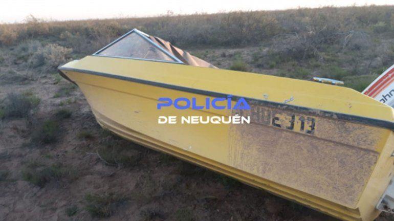 Insólito: encontraron una lancha con motor en plena meseta