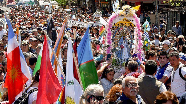 El cardenal Poli apeló a la unidad de los argentinos ante miles de fieles en Luján