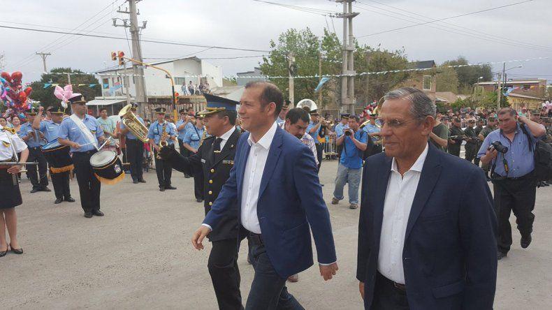 Con música, color y desfile, festejan el cumple de Neuquén