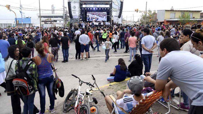 Mirá las fotos del multitudinario desfile de los 114 años de la ciudad