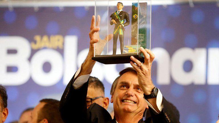 Bolsonaro le sacó más de 20 puntos al delfín de Lula