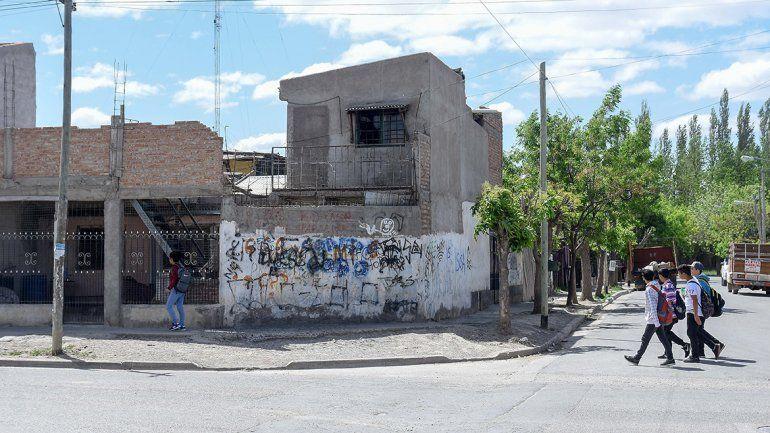 Le quemaron la casa a una Bin Laden en Valentina Sur