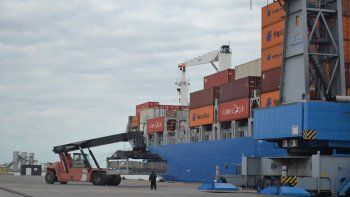 el puerto de bahia baja las tasas para insumos petroleros