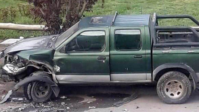 Borracho, un policía chocó con su auto a una camioneta