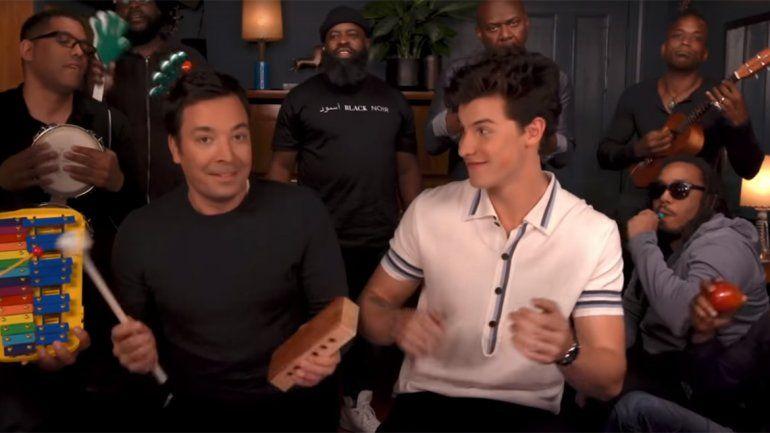 Classroom instruments: así se divirtieron Jimmy Fallon y Shawn Mendes