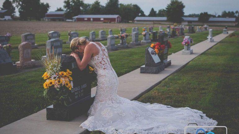 La conmovedora novia que dio el sí en la tumba de su novio