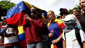 El sector de la oposición de unió para protestar contra Maduro.