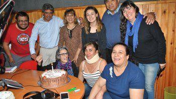 El intendente Zúñiga festejó en la radio, que también estaba de cumple.