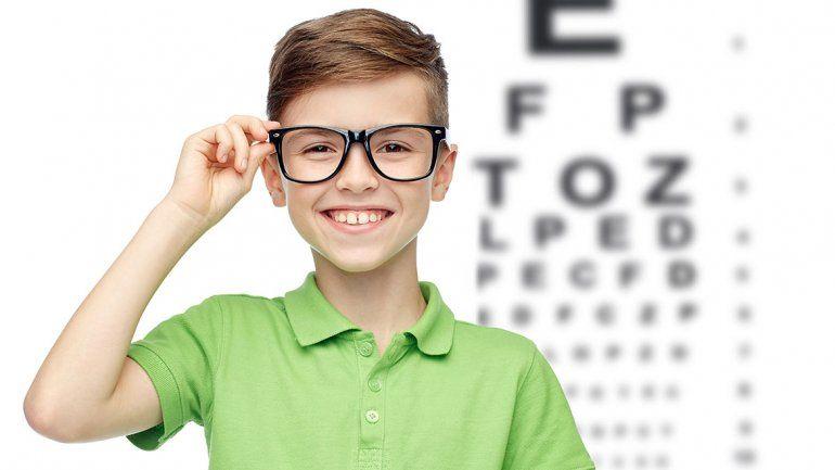 Cada vez más chicos tienen miopía, una epidemia moderna