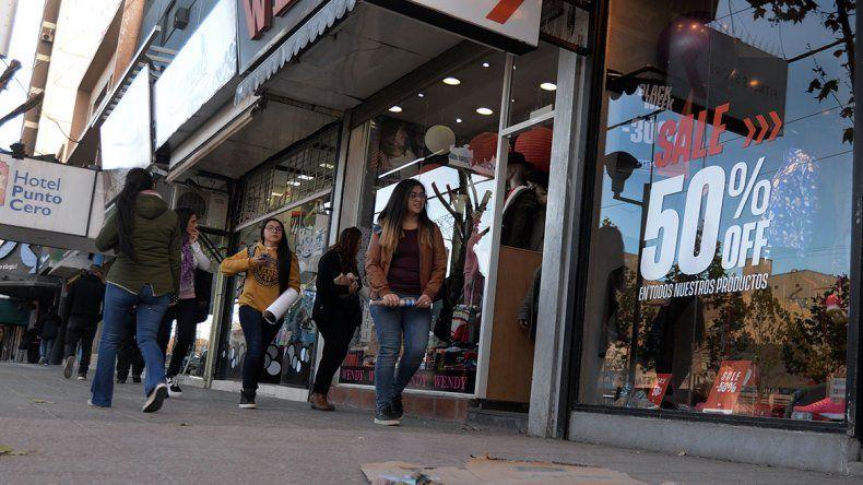 Los comerciantes esperan 6 meses de bolsillos flacos