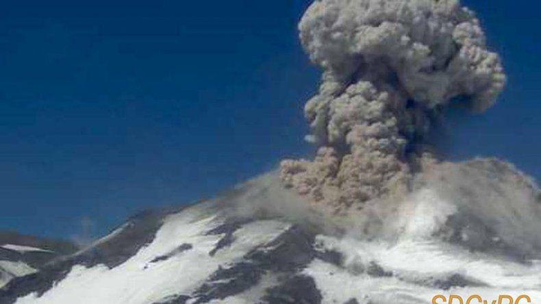 Llevan tranquilidad al norte neuquino ante nueva explosión en el Chillán