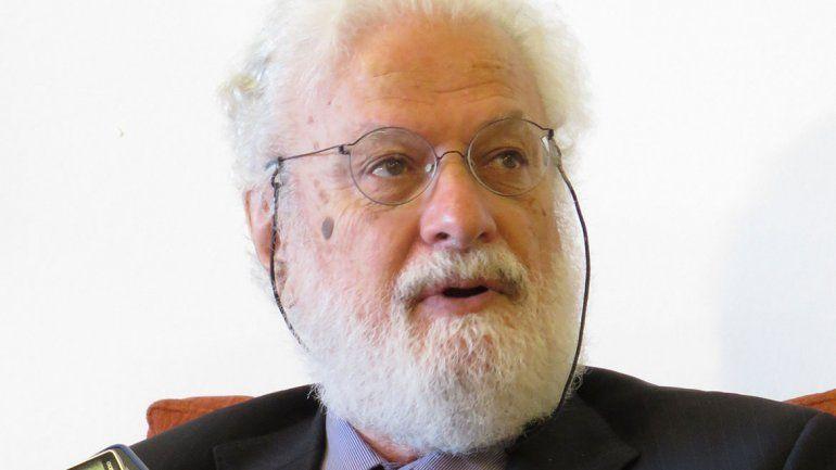 Tonucci: La única reforma que sirve es formar buenos maestros