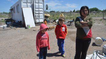 se instalan tres familias por dia en la meseta