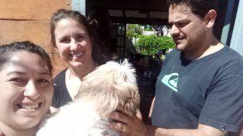 aparecio coco, el perrito que es terapia para una abuela