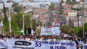 mujeres de todo el pais marcharon por las calles de trelew