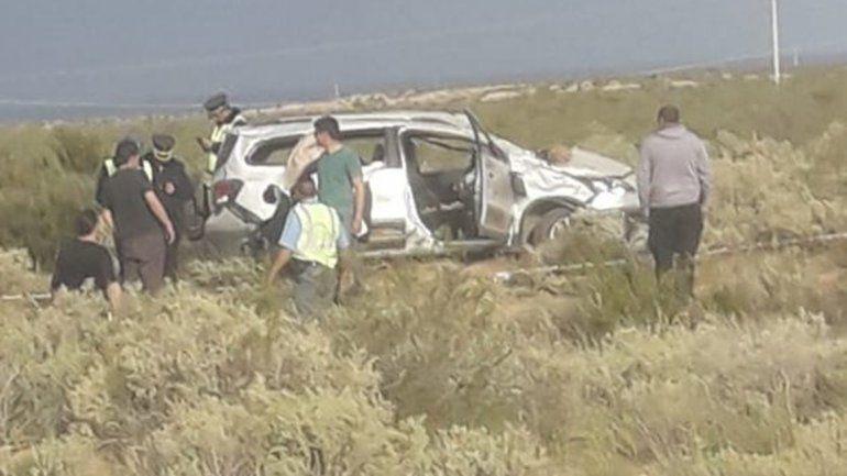 Un muerto y dos heridos el saldo de un vuelco en la Ruta 237