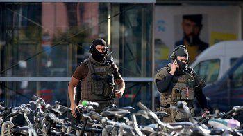 secuestros y atentado en estacion de tren alemana