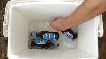 decomisaron  botellas de cerveza en las plazas cerca del rio