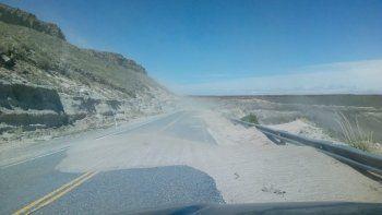 ruta 40: piden precaucion por vientos y caida de rocas