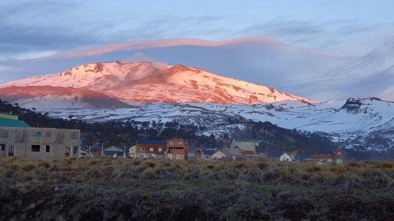 El volcán Copahue registró 49 sismos leves y hay alerta amarilla