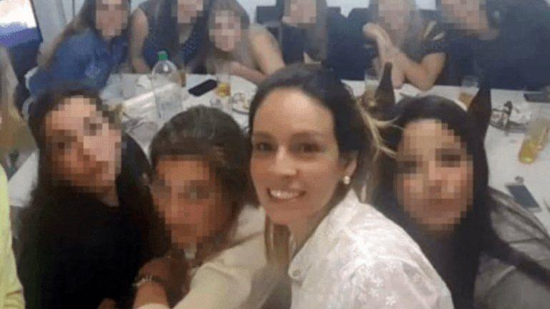 Denuncian que la mujer que mató a su novio rompió la domiciliaria
