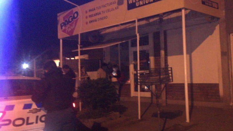 Se robaron 25 mil pesos en mercadería de una regalería y quedaron escrachados