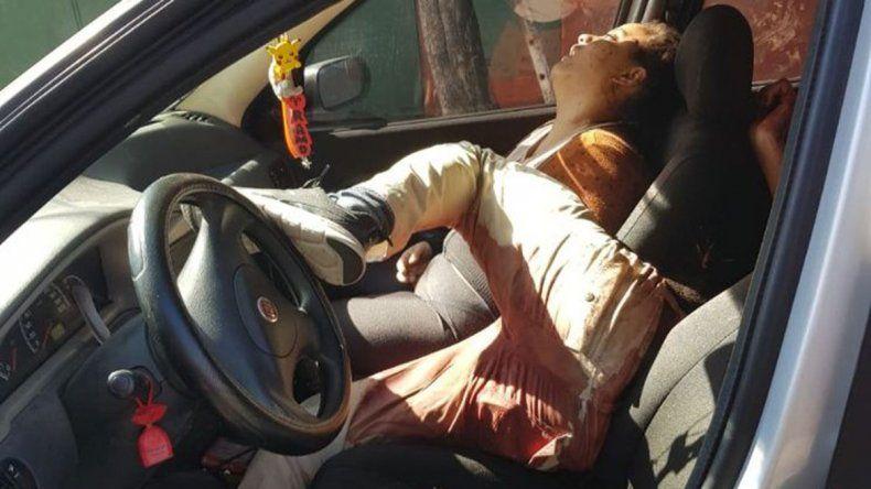 No se observó violencia externa en el coche en el que fueron halladas.