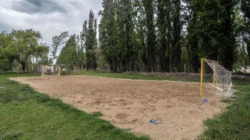 se viene un  boom local del beach handball