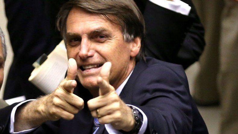 Bolsonaro piensa autorizar la venta y el uso de armas