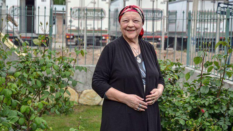 A pura energía, Olga le da pelea al cáncer de mama